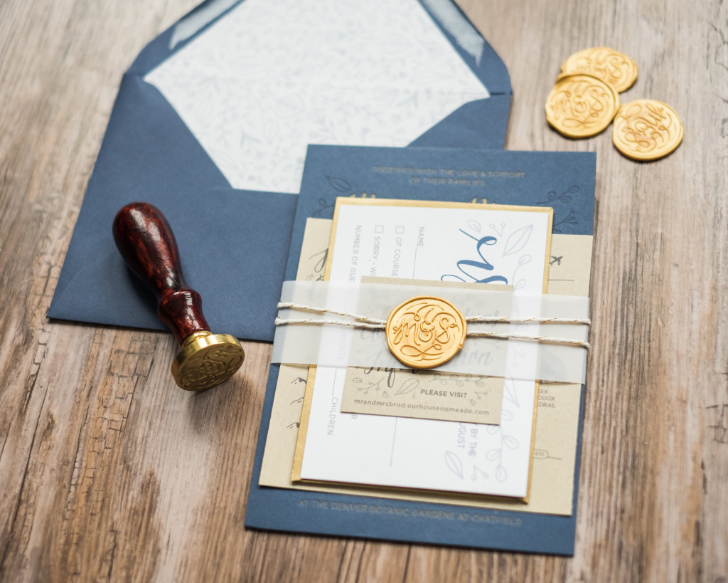 navy and gold invitaiton suite